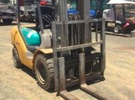 Used Komatsu FD30T-16 Forklift For Sale in Singapore
