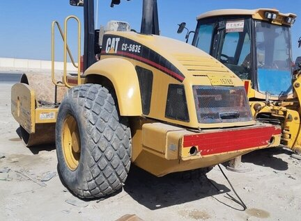 Used Caterpillar (CAT) CS-583E Road Roller For Sale in Singapore