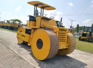 Used Sakai R2S Road Roller For Sale in Singapore