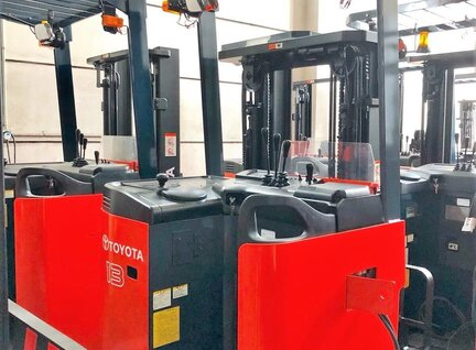 Refurbished Toyota 7FBR Reach Truck For Sale in Singapore