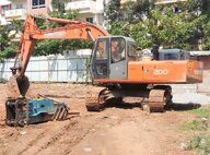 Used Hitachi EX200 Excavator For Sale in Singapore