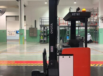 Used Toyota 8FBRE16S Reach Truck For Sale in Singapore