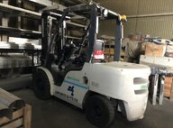 Used UNIC YG1F2A35U 3.5 Ton  Forklift For Sale in Singapore