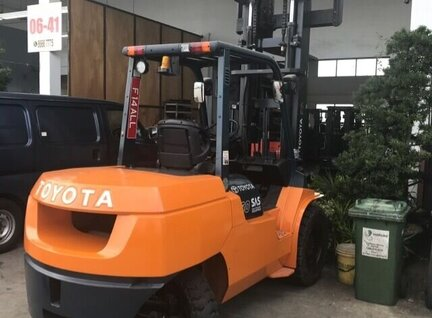 Used Toyota 7FD50 Forklift For Sale in Singapore