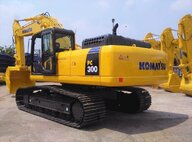 Refurbished Komatsu PC300SE-8 Excavator For Sale in Singapore