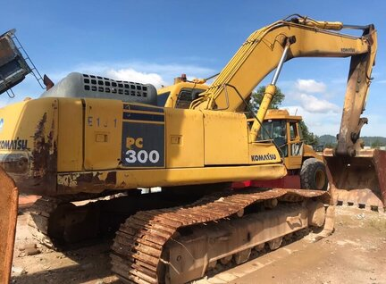 Used Komatsu PC300-6 Excavator For Sale in Singapore