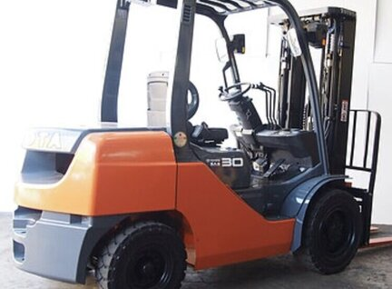 Used Toyota 62-8FD30 Forklift For Sale in Singapore