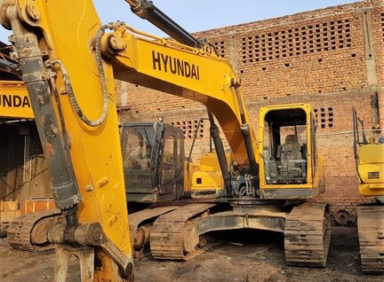 Used Hyundai Robex R-230 LM Excavator For Sale in Singapore