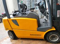 Refurbished Jungheinrich EFG320n Forklift For Sale in Singapore