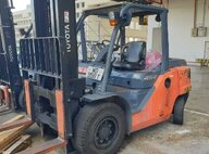 Used Toyota 8FD45N Forklift For Sale in Singapore