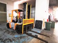 Used TCM ZD70Z8 Forklift For Sale in Singapore