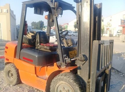 Used Heli CPCD30 Forklift For Sale in Singapore
